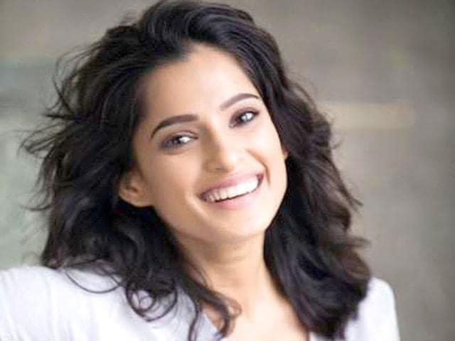 Priya-Bapat-is-a-popular-actor-working-in-Marathi-films-bapat-priya-Twitter