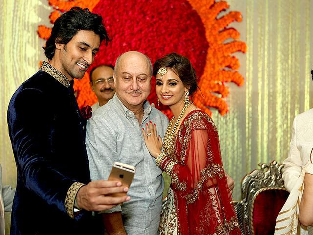 Kunal-Kapoor-and-Naina-Bachchan-click-a-selfie-with-Anupam-Kher-HT-photo-Rajesh-Kashyap