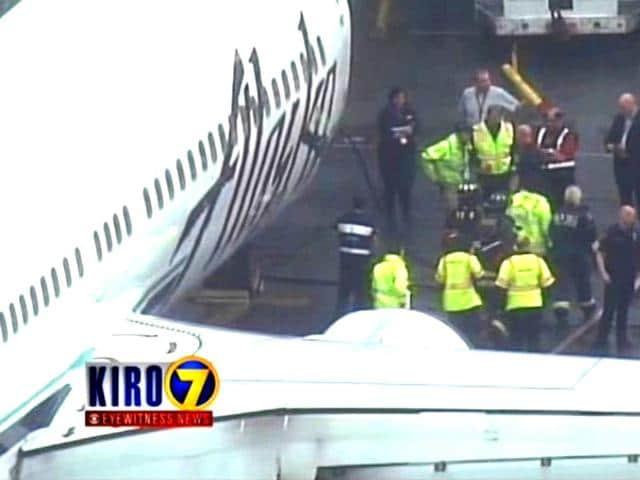 Los Angeles-bound,Alaska Airlines,emergency landing