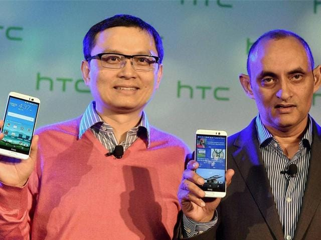 HTC-Chief-Financial-Officer-Chia-Lin-Chang-L-with-HTC-South-Asia-President-Faisal-Siddiqui-at-the-launch-of-their-new-smartphones-in-New-Delhi-Photo-PTI