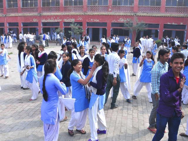 Noida schoolgirls learn about menstrual hygiene