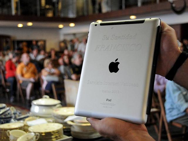 Apple,iPad,Pope Francis