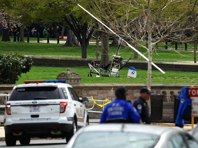 A-mini-helicopter-or-gyrocopter-that-landed-on-the-US-Capitol-South-Lawn-area-AFP-Photo