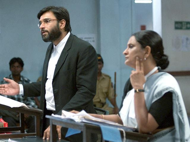 Gitanjali-Kulkarni-and-Vivek-Gomber-play-lawyers-in-Chaitanya-Tamhane-s-Court