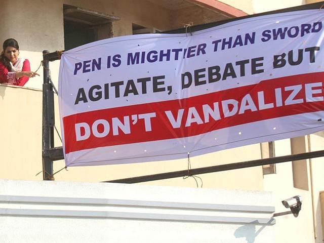 A-new-banner-was-put-at-ex-Mumbai-sheriff-Nana-Chudasama-s-office-a-day-after-MNS-workers-vandalised-his-office-at-Churchgate-in-Mumbai-Kunal-Patil-HT-photo