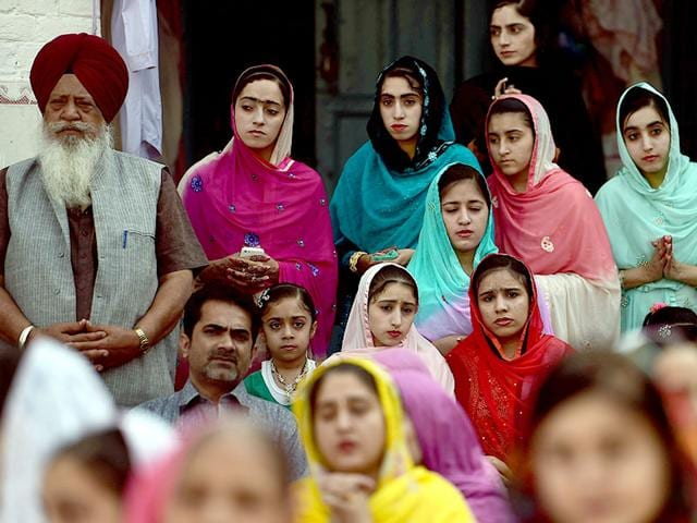 Sikh-devotees-attend-final-prayers-at-the-Gurdwara-Panja-Sahib-during-the-annual-Vaisakhi-festival-in-the-Pakistani-town-of-Hasan-Abdal-AFP-Photo