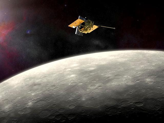 This-artist-s-rendering-provided-by-NASA-shows-the-MErcury-Surface-Space-ENvironment-GEochemistry-and-Ranging-MESSENGER-spacecraft-around-Mercury-AP