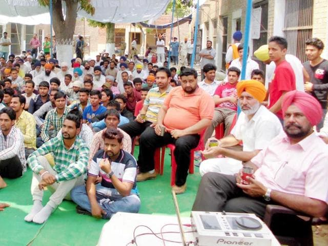 Jail-inmates-enjoying-a-dance-performance-at-function-organised-inside-Patti-jail-on-the-occasion-of-Baisakhi-HT-file-Photo