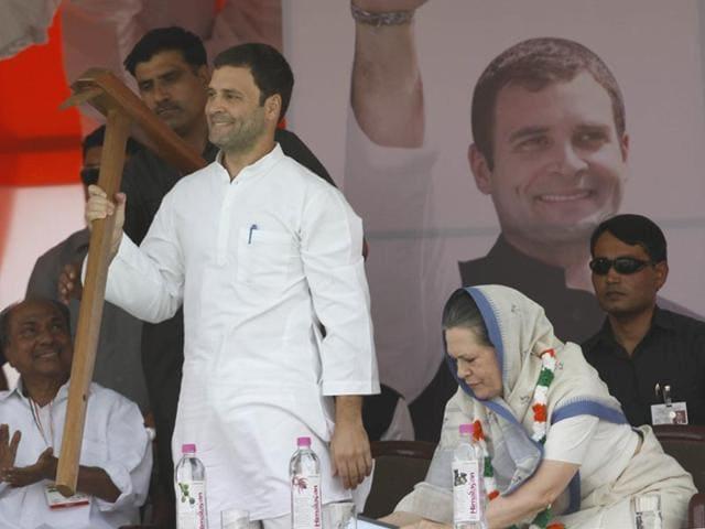 Congress-president-Sonia-Gandhi-and-party-vice-president-Rahul-Gandhi-at-the-Ramlila-Maidan-Ajay-Aggarwal-HT-Photo