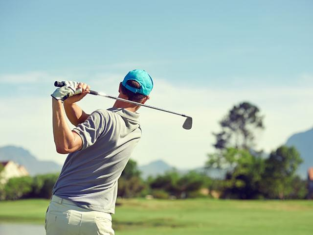 Although-golf-players-form-superficial-friendships-to-help-ease-the-loneliness-of-being-away-from-their-families-most-players-avoid-confiding-in-each-other-Photo-Shutterstock