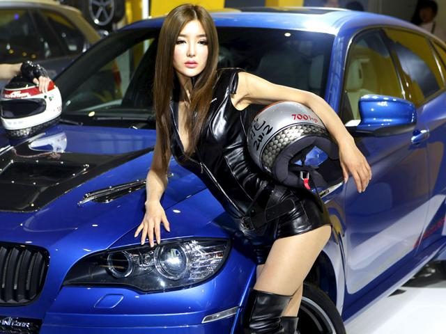 China Auto show,Chinese models at Auto show,Stampedes in Shanghai