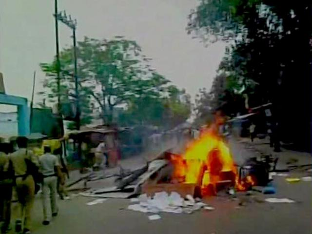 Protests-in-Siwan-after-students-die-in-a-road-accident-ANI-photo