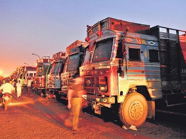 Sanjay-Gandhi-Transport-Nagar-in-Outer-Delhi-is-home-to-thousands-of-drivers-transporters-sex-workers-mechanics-and-truck-artists-Photo-Saumya-Khandelwal