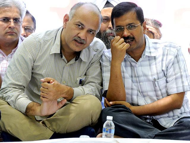 Delhi-chief-minister-Arvind-Kejriwal-with-deputy-CM-Manish-Sisodia-during-AAP-s-kisan-rally-at-Jantar-Mantar-in-New-Delhi-Sonu-Mehta-HT-File-Photo