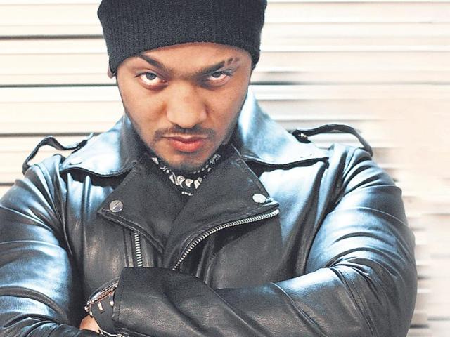 Raftaar-real-name-Dilin-Nair-is-a-Malayali-singer-rapper-who-raps-in-Punjabi-Haryanvi-Malayalam-Marathi-and-Hindi