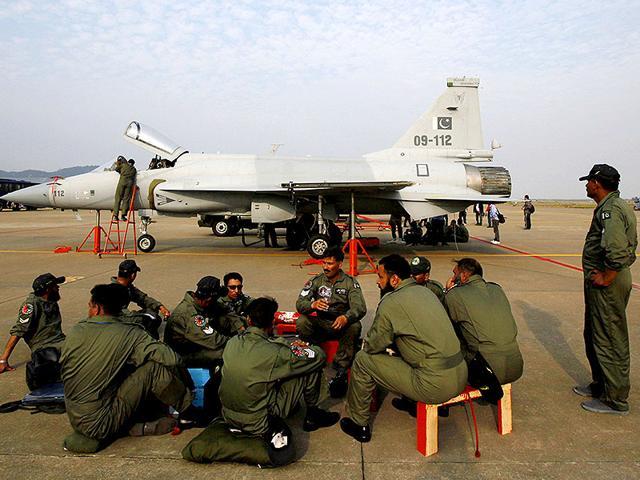 bangladesh,training jet,crash