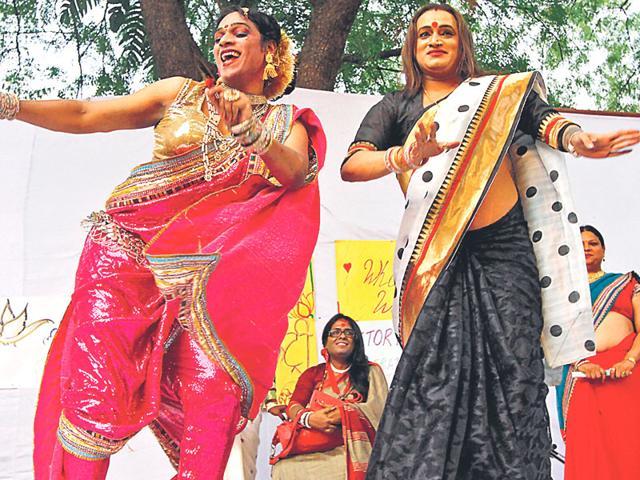 Me Hijra Me Laxmi,Laxmi Tripathi,R Raj Rao