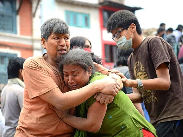 Victims-injured-by-the-earthquake-in-Kathmandu-Agency-photo