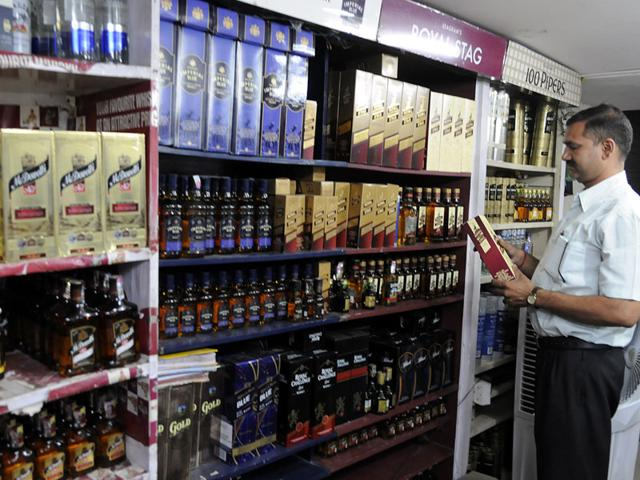 Haryana panchayat elections,liquor mafia,country-made liquor