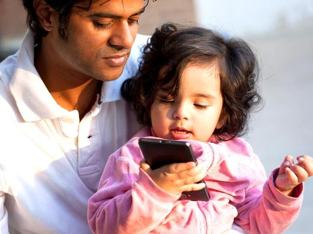 The-new-nanny-Over-a-third-of-babies-now-use-smartphones-before-they-walk-and-talk-finds-study-Shutterstock