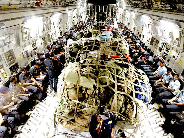 IAF-and-NDRF-personnel-on-their-way-to-earthquake-hit-Nepal-on-Monday-to-carry-out-rescue-operations-PTI-Photo