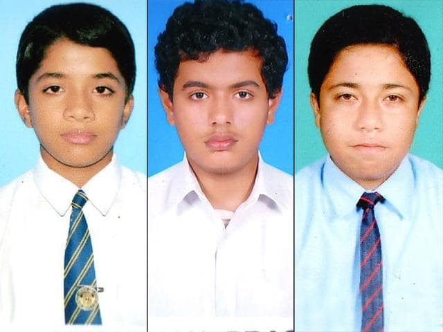 Team-India-captain-Mahendra-Singh-Dhoni-s-school-Jawahar-Vidya-Mandir-in-Ranchi-has-produced-three-top-three-rankers-of-Jharkhand-in-JEE-Mains-exams-2015-The-three-toppers-are-from-left-to-right-PN-Aditya-Pranjal-Prasoon-and-Shashank-Shekhar--HT-photo