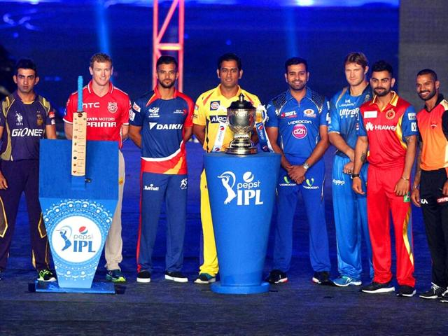 Captain-from-all-IPL-team-with-IPL-Trophy-during-the-Pepsi-IPL-2015-opening-night-event-held-at-the-Salt-Lake-Stadium-in-Kolkata-PTI-Photo