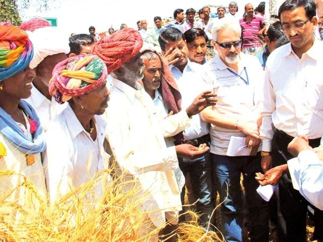 Farmers-inform-the-central-team-about-the-extent-of-crop-damage-HT-Photo