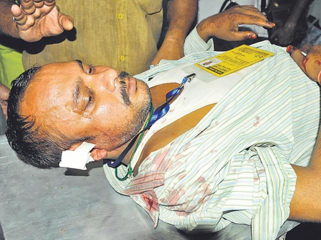 The-civic-polls-in-Bengal-witnessed-sporadic-violence-in-a-number-of-areas-leaving-one-dead-and-many-injured-Samir-Jana-HT-File-Photo