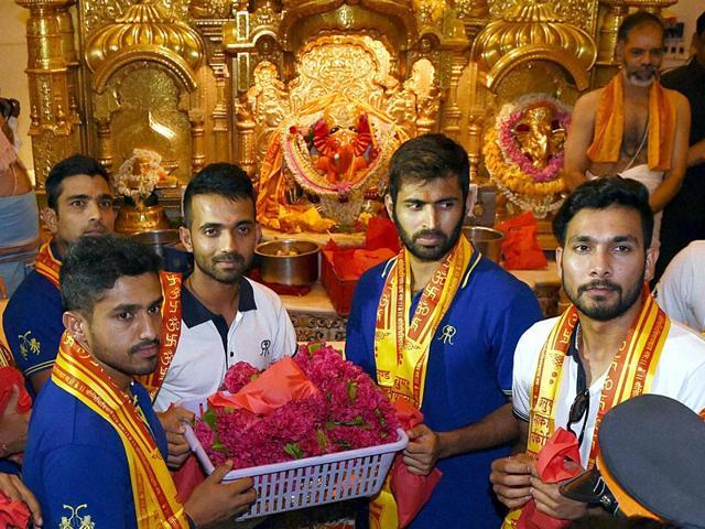 Rajasthan-Royals-players-Karun-Nair-Dishant-Yagnik-Ajinkya-Rahane-Abhishek-Nair-and-Ankit-Sharma-during-their-visit-to-Siddhivinayak-temple-in-Mumbai-PTI-Photo
