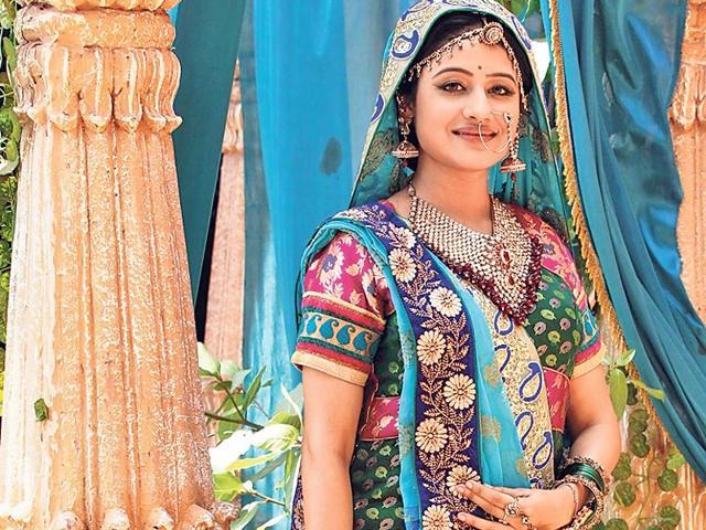 Paridhi-Sharma-on-the-sets-of-Jodha-Akbar