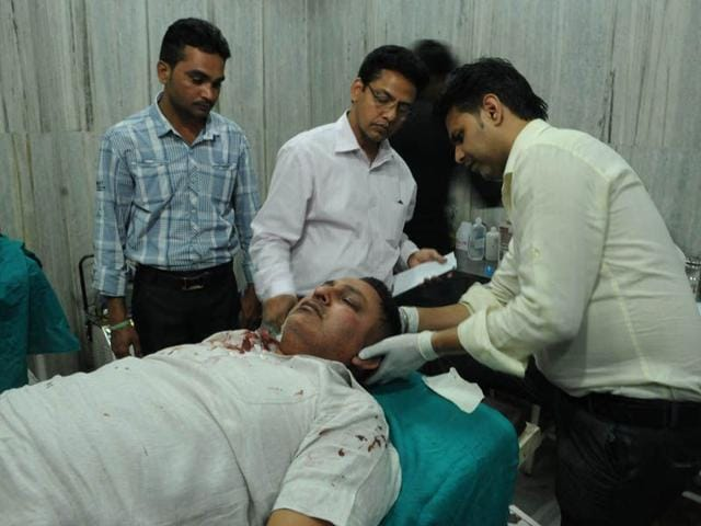 Cop-injured-while-saving-daughter-from-molesters-in-Jalandhar-HT-Photo