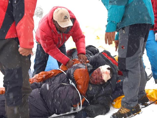 Nepal earthquake,Nepal death toll,Langtang trekking