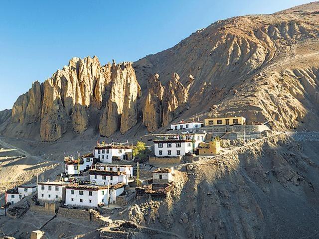 Romantic Getaways India,Lachen Sikkim,Auli Uttarakhand