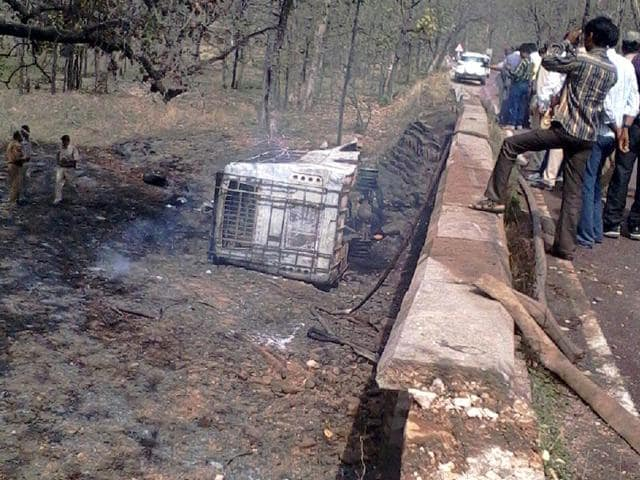 The-bus-that-fell-off-a-culvert-and-caught-fire-in-Panna-district-in-Madhya-Pradesh-Photo-Special-arrangement
