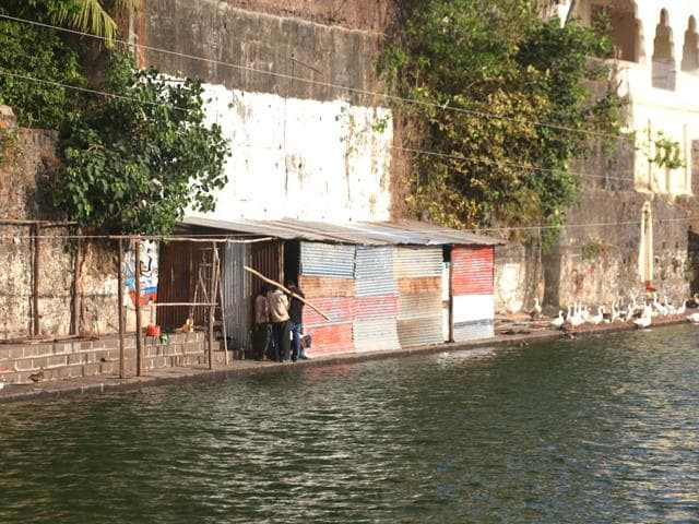 The-steps-surrounding-Banganga-tank-have-been-damaged-allegedly-by-contractors-responsible-for-the-new-phase-of-restoration-Kunal-Patil-HT-photo