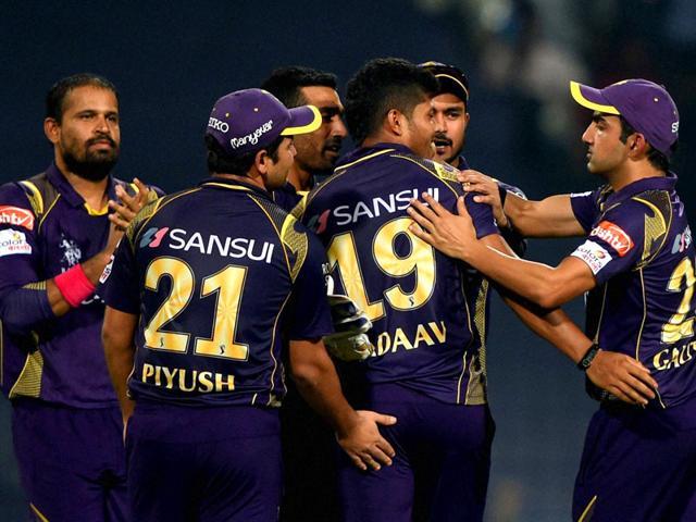 Kolkata-Knight-Riders-KKR-s-Umesh-Yadav-celebrates-with-his-teammates-after-taking-a-Sunrisers-Hyderabad-SRH-wicket-during-their-IPL-2015-match-at-Eden-Gardens-in-Kolkata-PTI-Photo