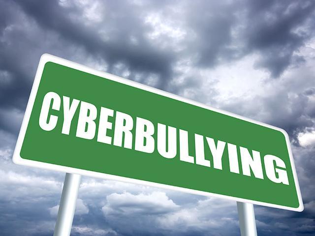 Cyberbullying,online Abuse,Teenage