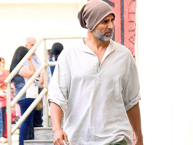 Being an actor is like being on a paid holiday: Akshay Kumar