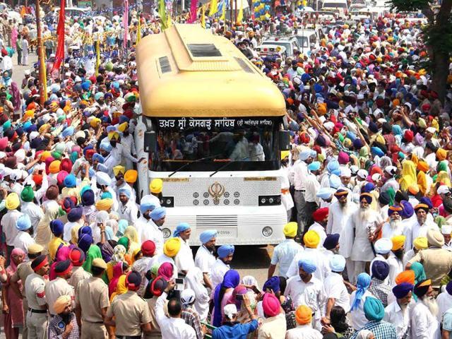 Sikh gurus,relics,Darshan yatra