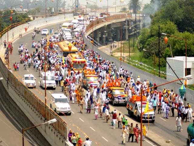 Devotees-taking-part-in-the-religious-procession-carrying-out-relics-of-Guru-Gobind-Singh-in-Patiala-on-Wednesday-Bharat-Bhushan-HT