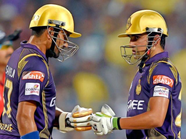 KKR-batsman-Gautam-Gambhir-and-Robin-Uthappa-greet-each-other-during-IPL-Match-against-SRH-in-Kolkata-PTI-Photo