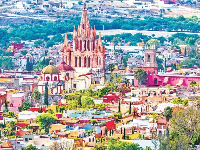 Mexico-s-hidden-jewel-San-Miguel-de-Allende-is-a-beautiful-vibrant-colonial-era-town-perfectly-preserved-and-popular-with-artists-In-this-photo-Aerial-view-of-San-Miguel-de-Allende