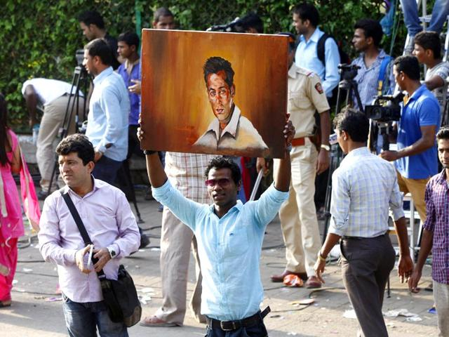 Salman-Khan-leaves-for-Bombay-high-court-for-bail-HT-Photo-Satish-Bate