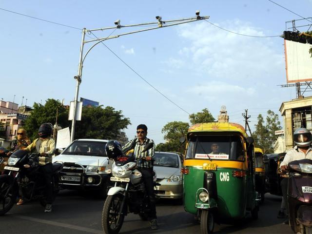 traffic violator,Red Light Violation Detection system,intelligent traffic management