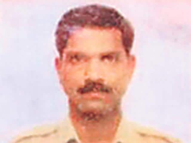 Constable-Kamlakar-Dhamanskar-was-found-dead-under-the-railway-bridge-connecting-Vashi-and-Mankhurd-HT-photo