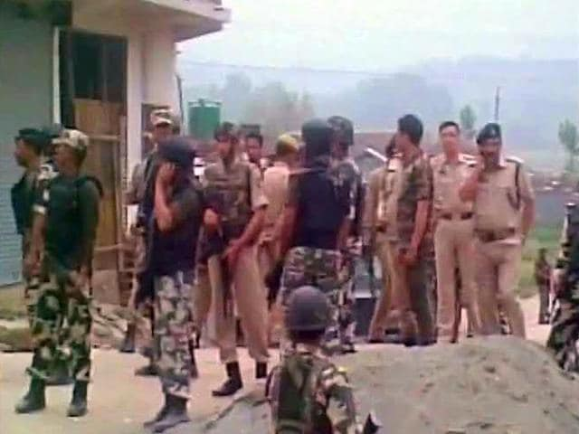 Security-personnel-during-a-massive-combing-operation-in-Sangam-in-Anantnag-district-after-2-CRPF-personnel-were-shot-dead-by-militants-on-Monday-ANI-Photo