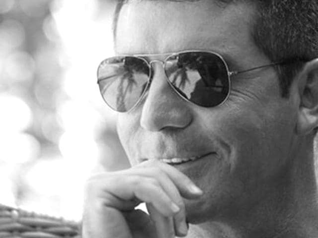 Simon-Cowell-is-English-television-talent-judge-and-mentor-music-and-television-producer-who-became-famous-as-the-judge-of-American-Idol-and-The-X-Factor-Simoncowell-Twitter
