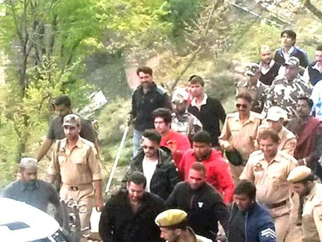Salman Khan arrives in Kashmir to shoot for Bajrangi Bhaijaan. (Photo: Twitter)