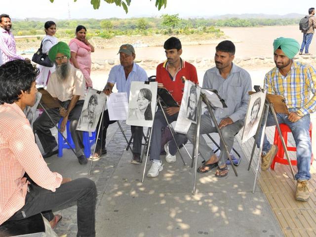 Sukhna Lake,sketch Artists,chandigarh